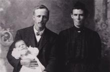 "John & Elizabeth ""Lizzie"" Evans, and their infant son Edwin Alfred Evans"